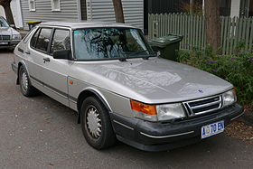 1993 Saab 900 (TU5M) Turbo 5-door hatchback (2015-06-18) 01.jpg