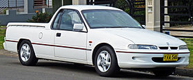 1996-1998 Holden VS II Commodore S utility 04.jpg
