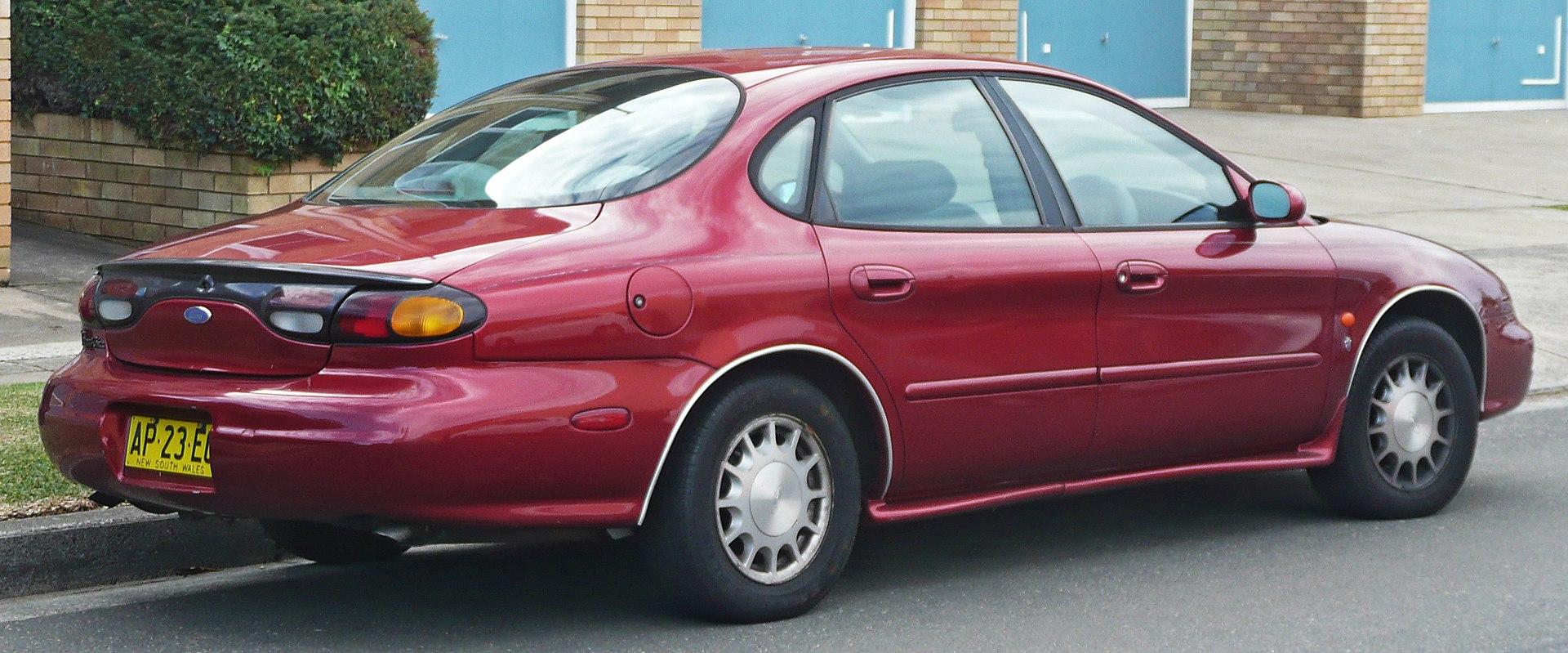 2019 - [Polestar] 2 - Page 2 1920px-1996_Ford_Taurus_%28DP%29_Ghia_sedan_%282010-06-17%29_02