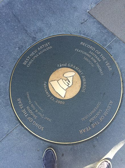 A circle plateau with the winners of the most notable categories located in downtown Los Angeles 2000 Grammy Awards Plateau in downtown LA.jpg