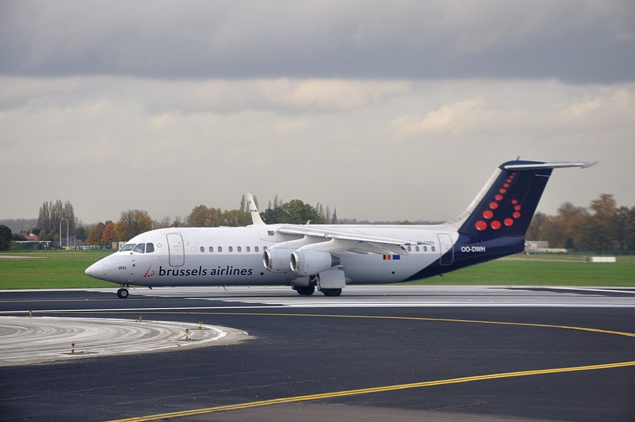 Belgium, Brussels Airlines Avro RJ100 OO-DWH lining up for take-off from runway 25R at Brussels Airport