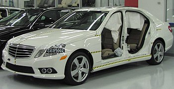 Crash-tested 2010 Mercedes-Benz E 350 photogra...