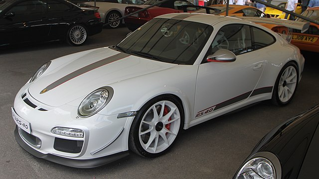 640Px 2011 White Porsche 997 GT3 RS 4