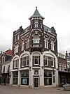 foto van Voormalig warenhuis met bovenwoning in art-nouveau