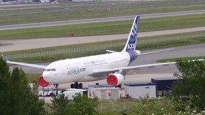 File:A330 AIB F-WWCB 9may14 LFBO.ogv