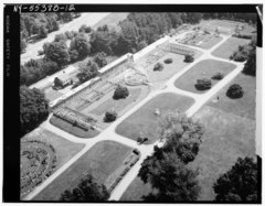 AERIAL VIEW OF GREENHOUSES AND GARDENS, LOOKING NORTHEAST - Lyndhurst, Greenhouse, 635 South Broadway, Tarrytown, Westchester County, NY HABS NY,60-TARY,1B-12.tif