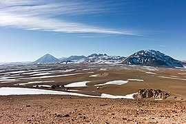 ALMA Dwarfed by Mountain Peaks.jpg