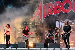 Airbourne – Elbriot 2014 02.jpg