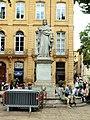 Aix-en-Provence-FR-13-cours Mirabeau-statue au René-01.jpg