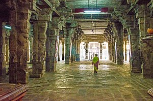 Aiyarappar temple - Beautiful pillars in the praharam of the temple