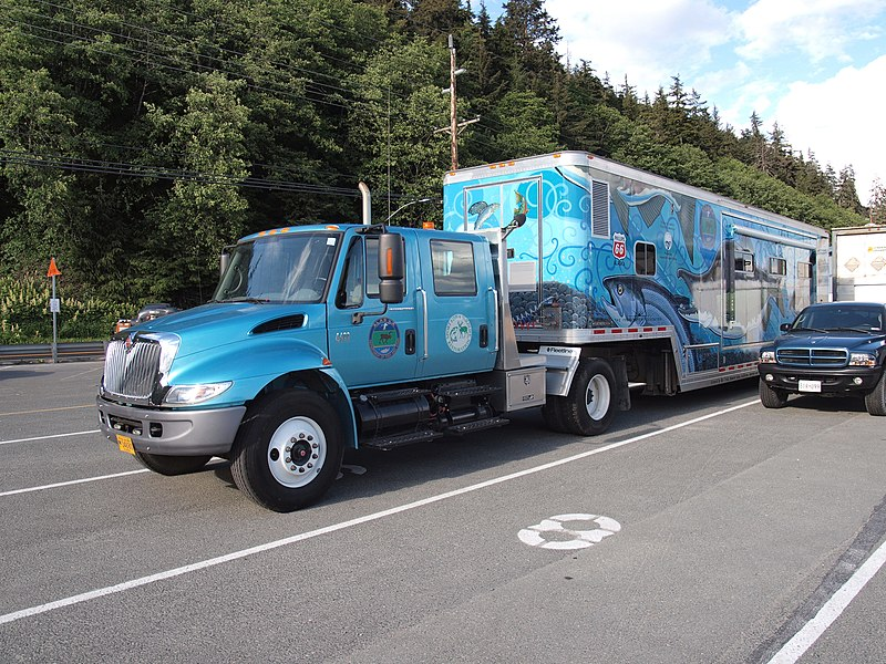 File:Alaska Fish and Game exhibition Vehicle 82.jpg