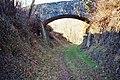 Ancien chemin de fer, pont pour chemin agricole.jpg