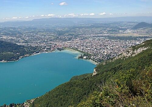 Annecy vue du mont Veyrier.jpg