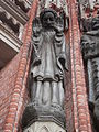 Apóstol Pórtico de entrada Catedral La Plata.JPG