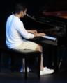Archuleta playing the piano (43138649662).png