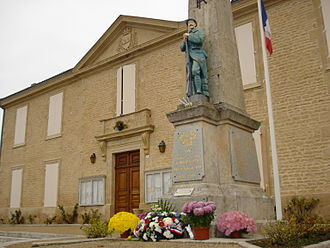 Aulnay, Charente-Maritime - Town hall and war memorial