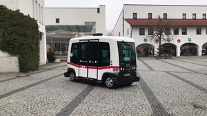 File:Autonomer Bus in Bad Birnbach.webm