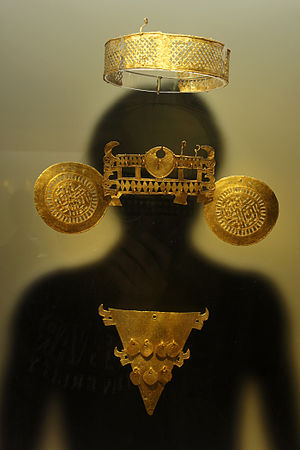 Muisca mummification - The mummies of the higher classes were decorated with golden crowns, earrings and noserings