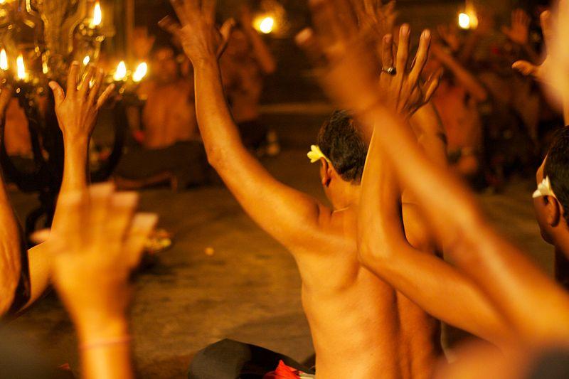 File:Bali 040 - Ubud - kecak fire dance.jpg