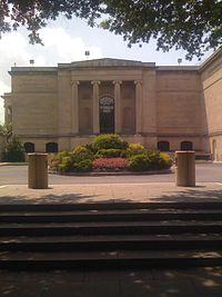 Baltimore Museum of Art entrance.jpg