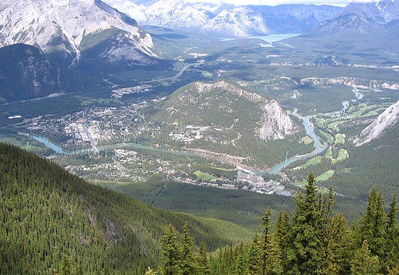 File:Banff from Sulphur Mtn 2005.jpg