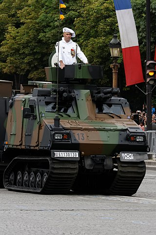 https://upload.wikimedia.org/wikipedia/commons/thumb/5/56/Bastille_Day_2014_Paris_-_Motorised_troops_025.jpg/320px-Bastille_Day_2014_Paris_-_Motorised_troops_025.jpg