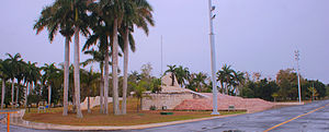 Battle of Yaguajay - Central part of the battle's monument and plaza with the statue of Camilo Cienfuegos