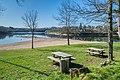 Beach of the Lac de Pont-de-Salars 02.jpg
