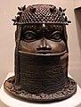 Benin, edo, testa di antenato reale oba da altare, 1500-1897 ca., 02 regina madre.jpg