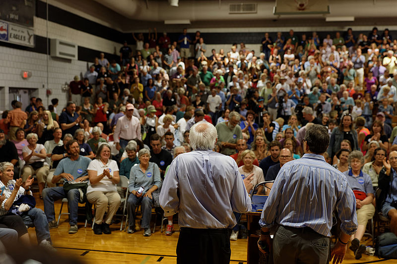Bernie Sanders before a crowd in Conway, NH, on August 24, 2015 (20876809366).jpg