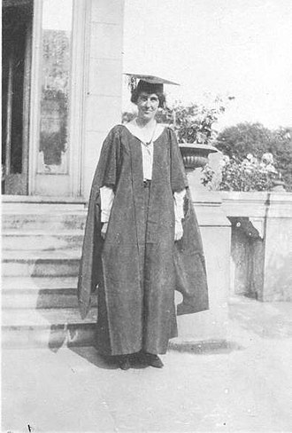 Bertha Phillpotts - Image: Bertha Phillpotts at Girton