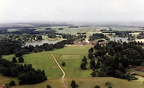 Blenheim Palace from the Air - geograph.org.uk - 620690.jpg