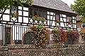 Blumenschmuck an der Pfinz - panoramio.jpg