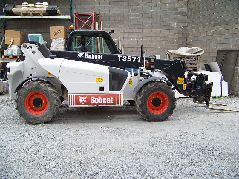 A Bobcat T3571 telehandler.