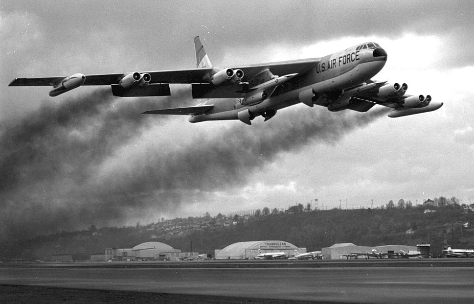 Boeing B-52F takeoff with AGM-28 Hound Dog missiles