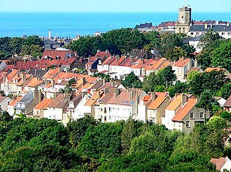 Boulogne-sur-Mer - A general view from the Brecquerecque Quarter: The lighthouse, the bell tower and the English Channel