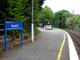 Box Hill railway station, Wellington - Looking south from the station platform