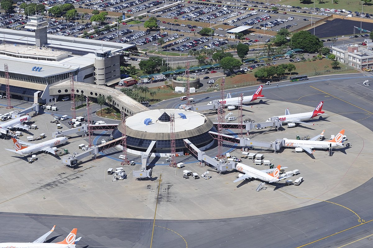 Bras U00edlia International Airport