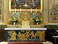 Brie-Comte-Robert (77), église Saint-Étienne, maître-autel (lapidation de saint Etienne) et tabernacle.JPG