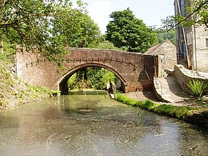 Thames and Severn Canal - The canal at Brimscombe.