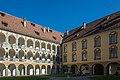Brixner Hofburg Arkadenhof 03.JPG