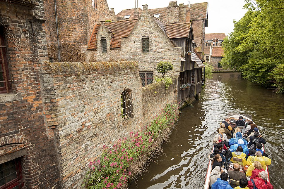 Bruges - Boat tour through the medieval area