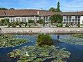 Brunnen & Gärtnerei der Orangerie des Schlosses Belvedere (Weimar).jpg