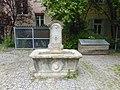 Brunnen im Klingenhof.jpg