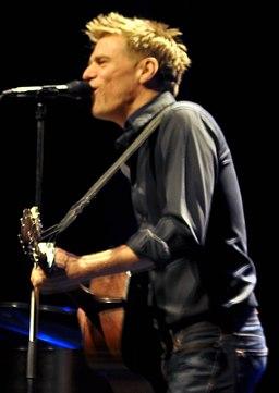 Bryan Adams Houston 2009 (cropped)