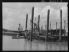 Building a dry dock at the Higgins shipyards 8d39873v.jpg