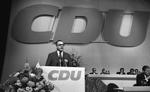Helmut Kohl - Kohl at the CDU national party convention in Hamburg in 1973