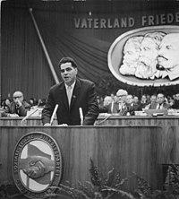 Bundesarchiv Bild 183-B0119-0010-056, Berlin, VI. SED-Parteitag, 5.Tag.jpg