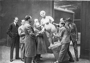 November Group (German) - Image: Bundesarchiv Bild 183 S29554, Berliner Kunstausstellung, Vorbereitung