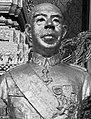 Bust of King Norodom Suramarit.jpg